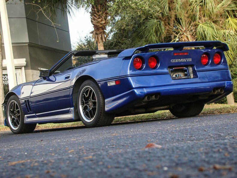 1987 Blue Chevrolet Corvette Convertible    C4 Corvette Photo 8