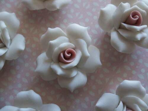 """Large White Ceramic Roses Porcelain Flower Cameos Pink Ctr Cabochon 1"""" 27mm 4pc"""
