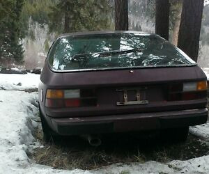 No rust Porsche 924 original color was red - great project