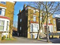 2 bedroom flat in Oliver Grove, London, SE25 (2 bed)