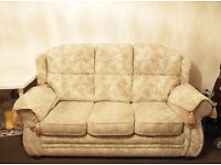 very good condition sofa tidy and cover removable ,can delivery