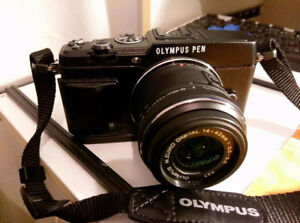 Olympus PEN E-P5 in great condition with kit lens 14-42 mm
