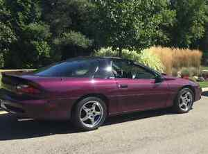 LOW KMS.. Clean 1995 Chevrolet Camaro Z28 Coupe 6 Speed