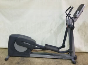 Life Fitness 95Xi Commercial Elliptical