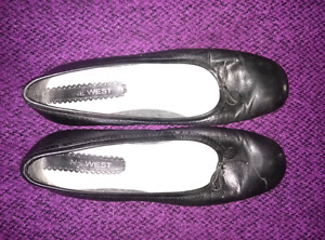 Nine West Womens Black Flat Dress Shoes