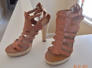 GUESS leather sandal size 7M
