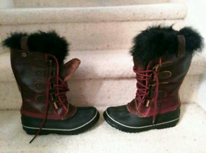 New Sorel Boots, Size 6