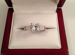 Save $5685 14K Diamond ring 0.72ct, VS1, H, Brand New Condition