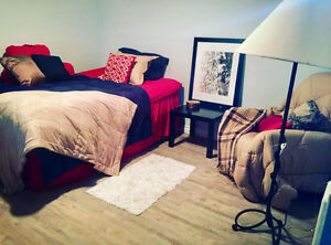 Adorable Bachelorette Apartment, GREAT Location, DT, Close to CO