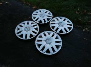 17 inch Toyota Sienna Hubcaps - Wheel Covers Set of Four Kitchener / Waterloo Kitchener Area image 2