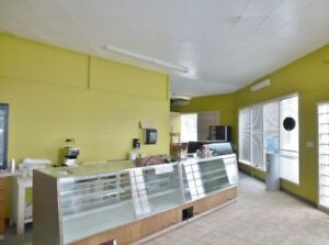 pizza/bakery/resturant for lease rent in kindersley sk
