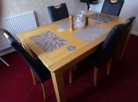 SCHREIBER OAK TABLE FOUR CHAIRS