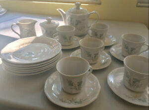 Kahla German Democratic Republic Tea Set for 6