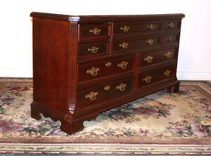 Brillant Basset Mohogany 12 Drawer Dresser & BedFrame SEE VIDEO Kitchener / Waterloo Kitchener Area image 4