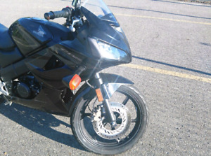 PRICE REDUCED!!! HONDA CBR 125r LOW KILOMETERS