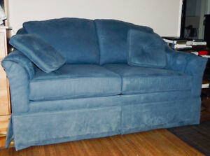 Causeuse Sofa-lit Simple Extra Propre .