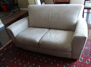 Pre owner  Natuzzi  ( Italy design set )  : Sofa and two reclin