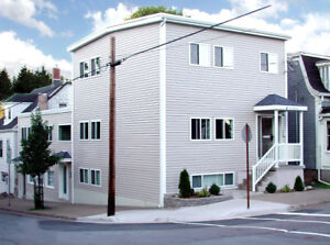 2 bdrm Flat in Downtown Dartmouth minutes from Alderney Ferry