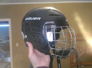 Children's hockey helmet
