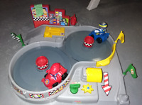 Spin and Crash Raceway - Fisher-Price World of Little People