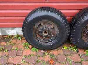 Trailer brakes with wheels and tires