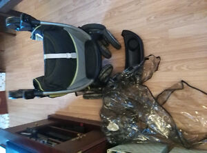 Graco stroller with snap-in tray and rain cover Kitchener / Waterloo Kitchener Area image 1