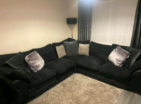 RIGHT OR LEFT CORNER SOFA * OFFERS WELCOME*