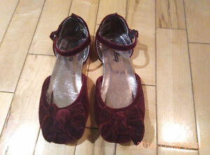 Girl's dress shoes - size 11