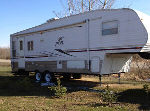 2005 Puma 27.5 ft Fifth Wheel For Sale