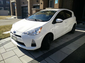 2013 Toyota Prius C White Hybrid w/ Technology Package