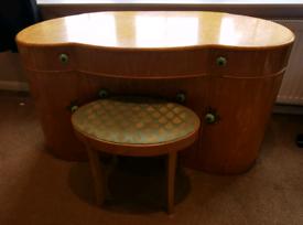 Retro dressing table
