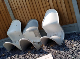 4 solid garden chairs