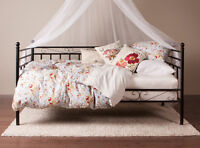 Day bed with twin mattress