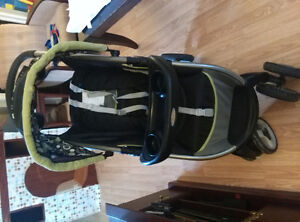 Graco stroller with snap-in tray and rain cover Kitchener / Waterloo Kitchener Area image 2