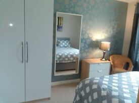 Ensuite Room in a houseshare - Weekly Rent