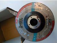 A box of 20 6mm grinder blades