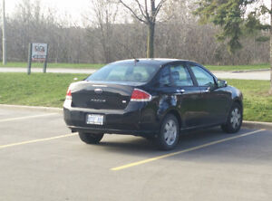 2010 Ford Focus Sedan SE - Great Condition, Well Maintained