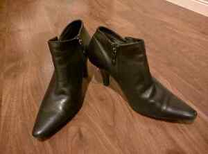 Ladies ankle boots Kitchener / Waterloo Kitchener Area image 1