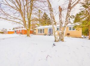 LARGE&CLEAN 3BR MAIN FLOOR BUNGALOW IN NEWMARKET-SHARON-404
