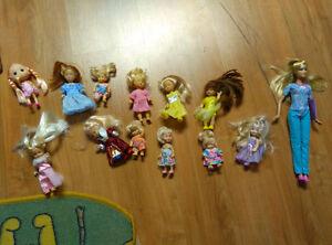 11 mini barbies and dolls