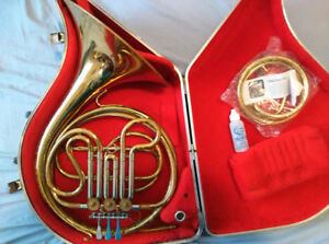 Getzen French Horn