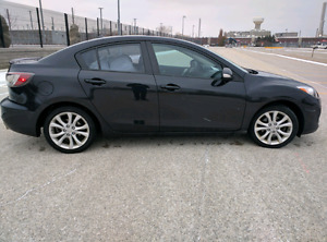 2010 Mazda3 GT - Every accessory added - Best deal out there