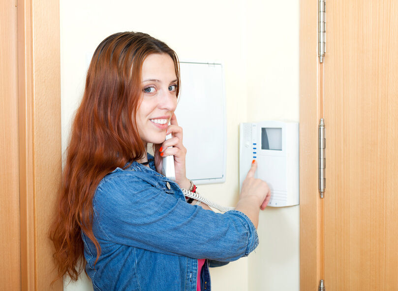 Your Guide to Buying a Wireless Video Door Phone