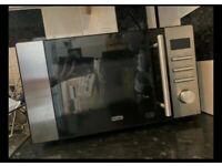 Microwave DeLonghi in good condition