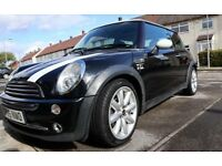 "MINI COOPER. JOHN COOPER KIT. PANORAMIC SUNROOF. 17"" ALLOYS. 5 DISK CHANGER. NEW SERVICE. MOT IN DEC"