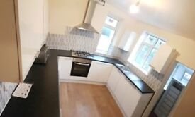 Well Presented 3 Bedroom Flat Available For NEXT ACADEMIC YEAR, Booth Avenue
