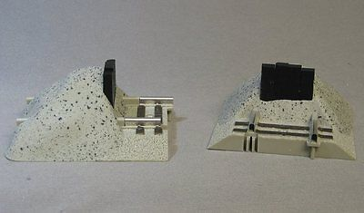 LIONEL FASTRACK O GAUGE EARTHEN BUMPERS PAIR train track end 3 rail 6-12059 NEW