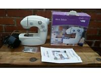 Mini stich with two speeds sewing machine