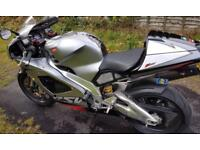 Aprilia rsv mille 1000 cc v twin - Stunning condition