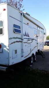 Wildcat 5th Wheel - 27 Ft Strathcona County Edmonton Area image 3